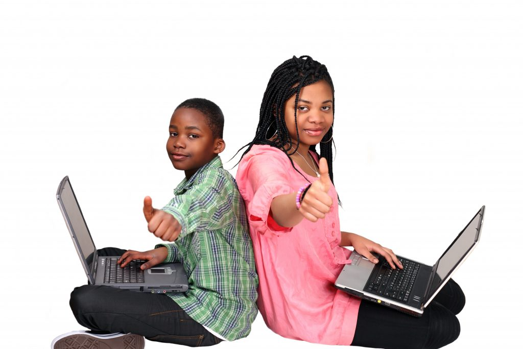Encourage a positive environment while eLearning at home.